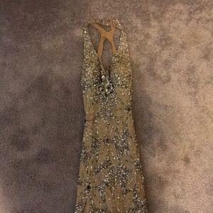 Adrianna papell evening dress gold size 4